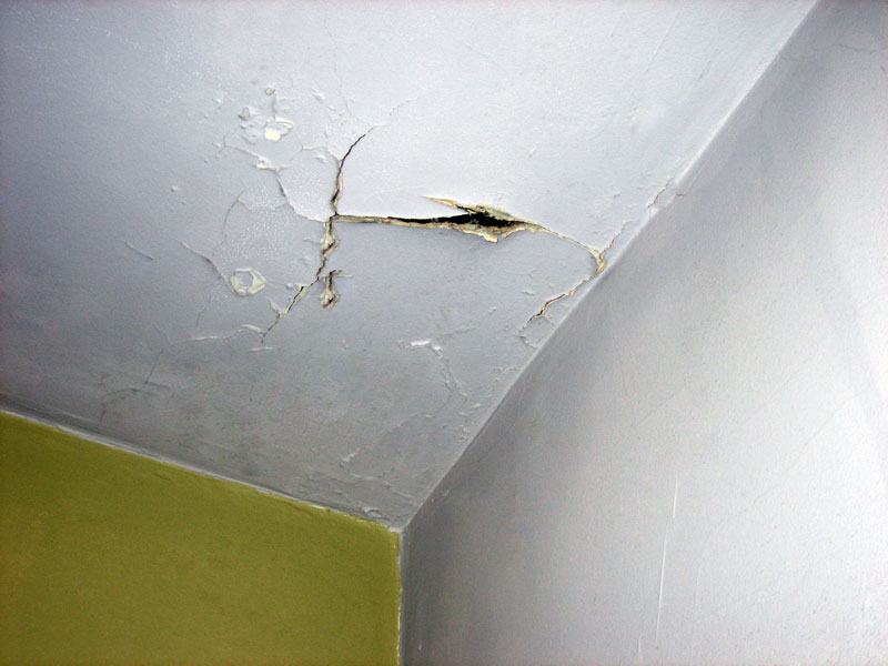 ceiling cracks
