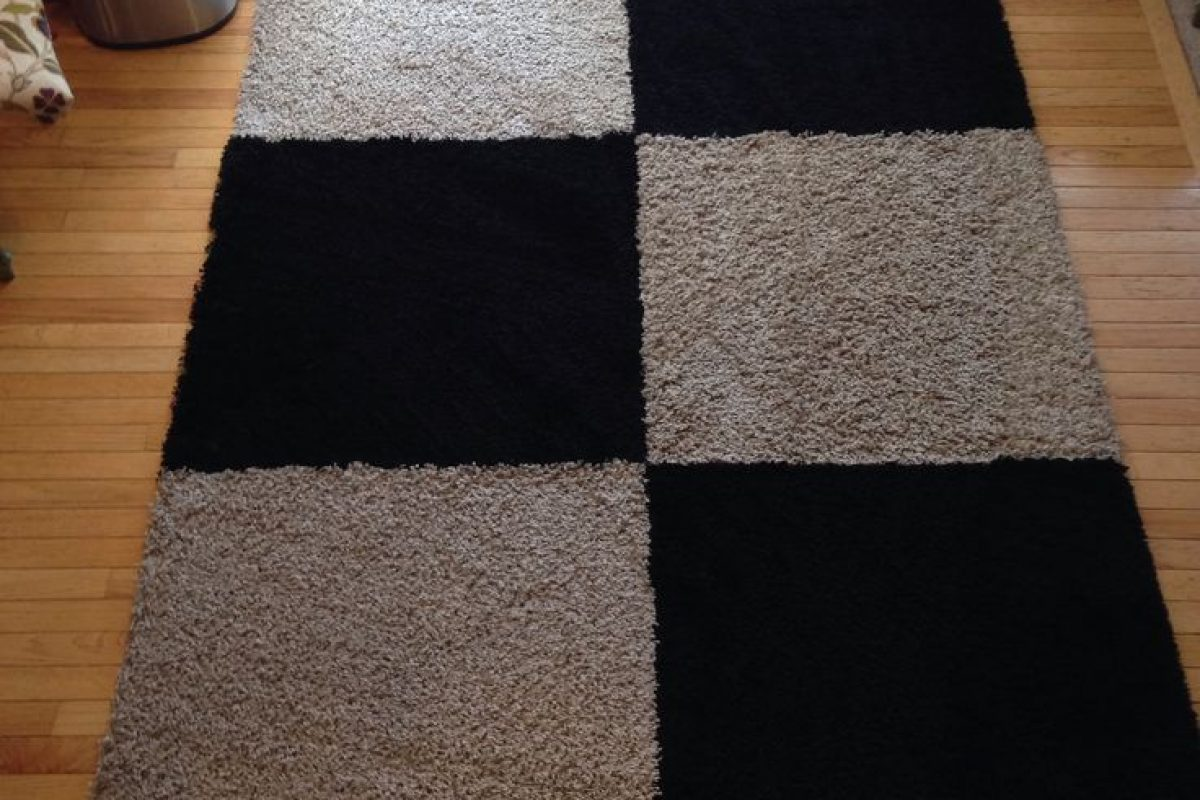 How To Save Money When Dealing With Large Rugs