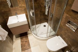 Bathroom Design For Small Spaces – Breaking Rules With Hot Trends