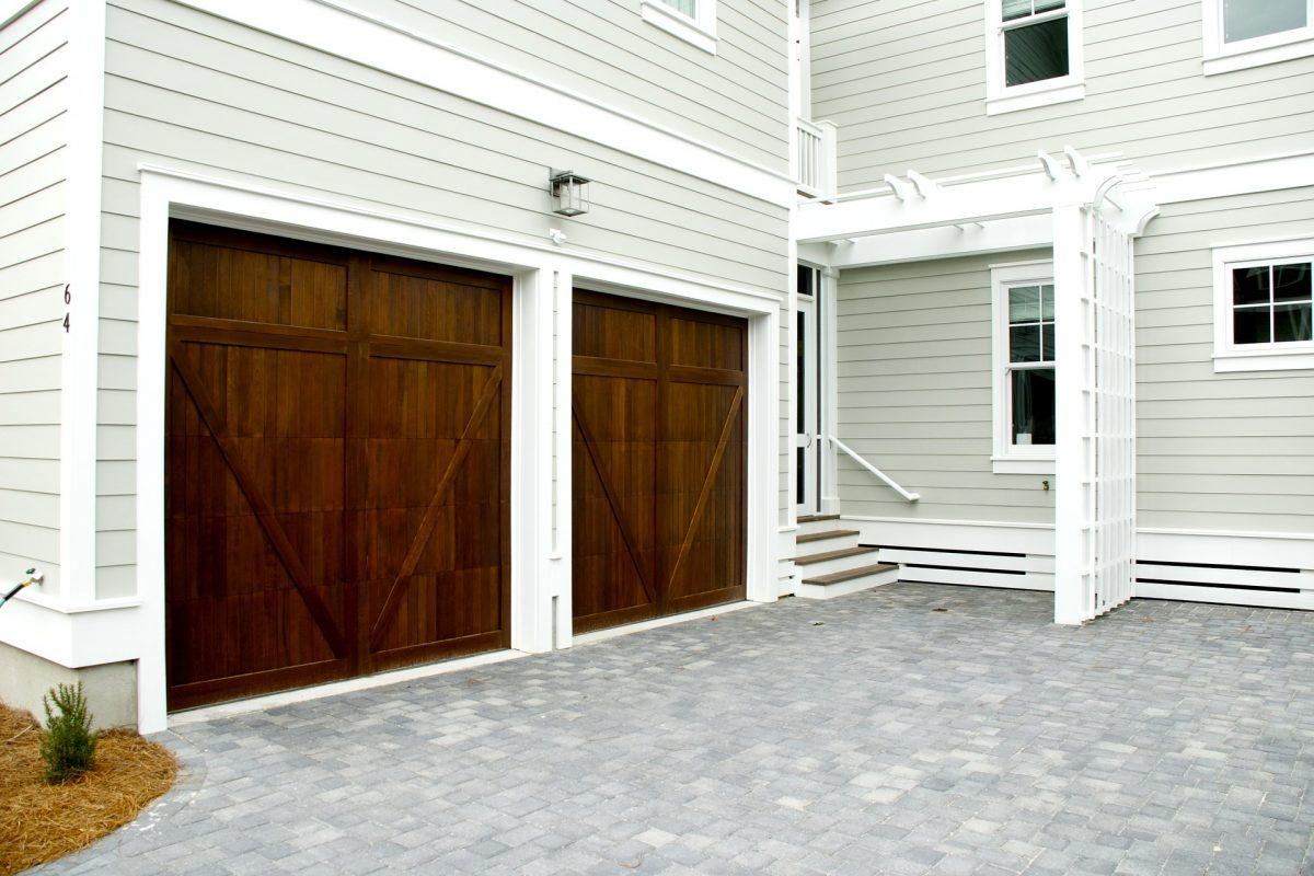 How To Select A Good Garage Door
