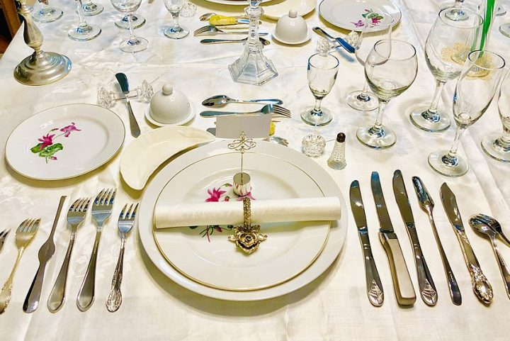 From Casual to Formal, and Everything in Between: The Art of Setting a Table